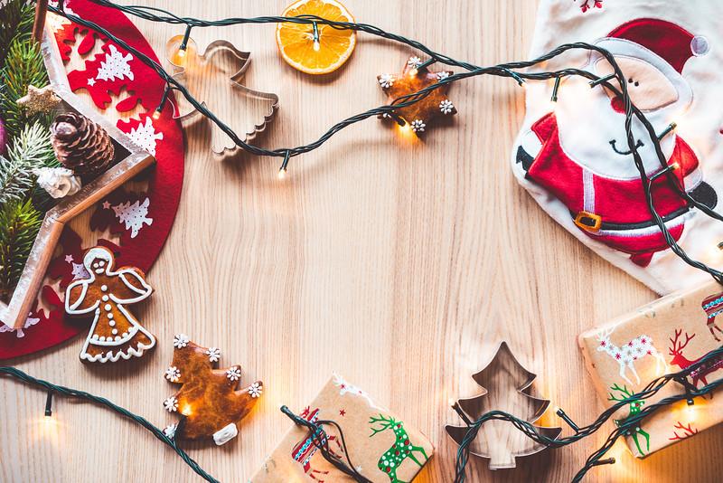 christmas-time-decorations-hero-background-image-picjumbo-com.jpg