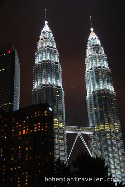 Petronas Towers in KL Malaysia.jpg