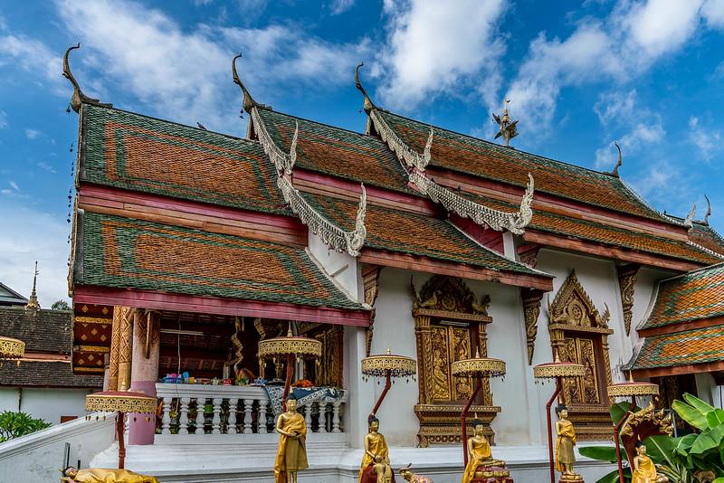 chiang-mai-old-city-walking-tour-.jpg