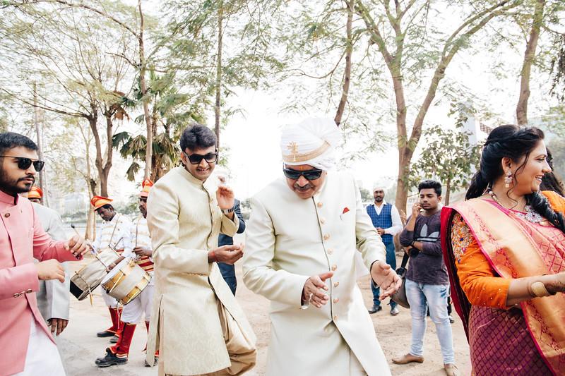 Poojan + Aneri - Wedding Day EOSR Card 1-0608.jpg