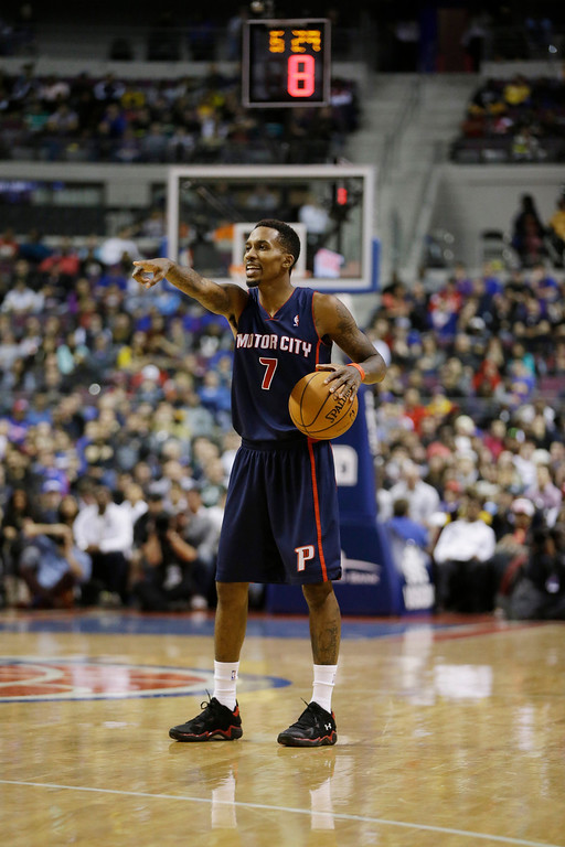 . Detroit Pistons guard Brandon Jennings (7) directs the offense during the second half of an NBA basketball game against the Los Angeles Lakers at the Palace in Auburn Hills, Mich., Friday, Nov. 29, 2013. (AP Photo/Carlos Osorio)