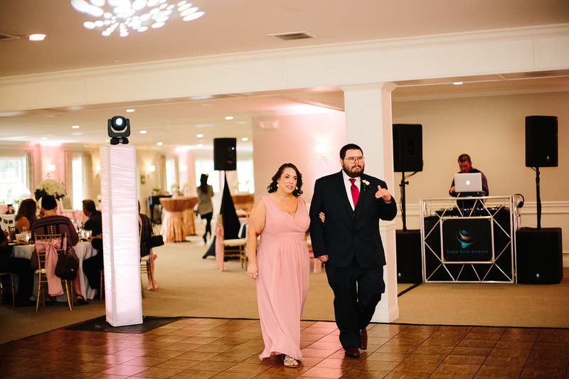 amie_and_adam_edgewood_golf_club_pa_wedding_image-811.jpg