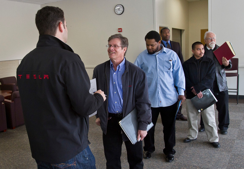 VETERANS JOB FAIR ON EARTH DAY AT SKYLINE COLLEGE IN SAN BRUNO