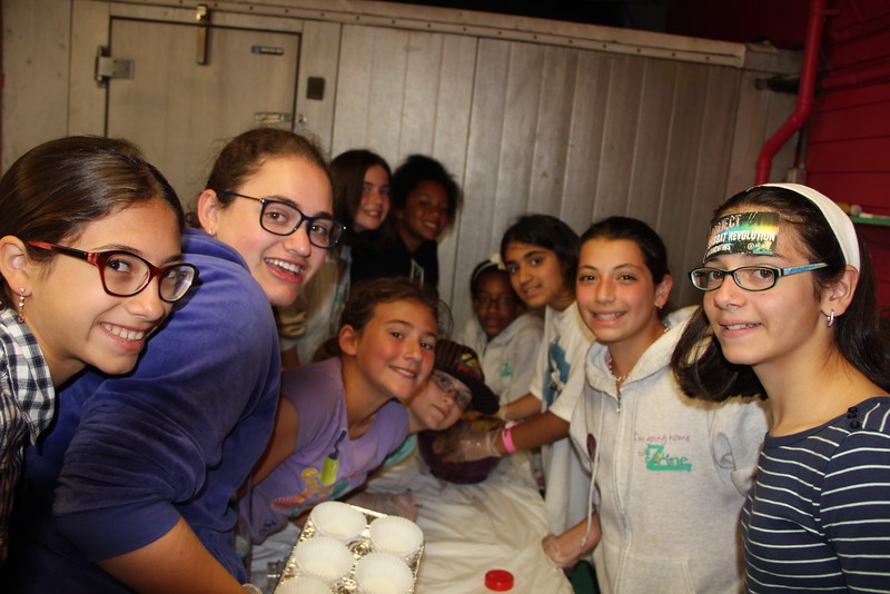 kars4kids_thezone_camp_girlsDivsion_activities_baking (23).JPG