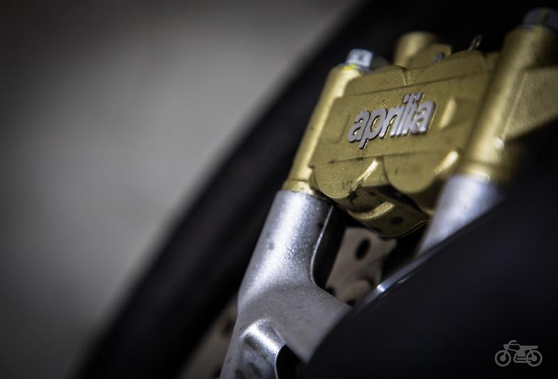 Aprilia Dorsoduro 900 - Front Brake 2.jpg