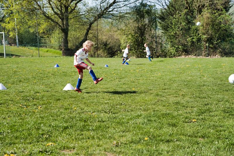 hsv-fussballschule---wochendendcamp-hannm-am-22-und-23042019-w-31_40764455193_o.jpg