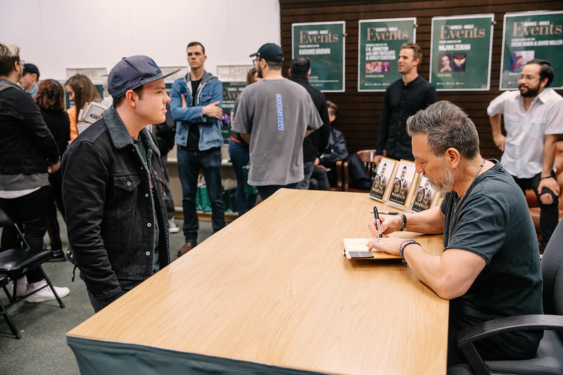 2019_2_28_TWOTW_BookSigning_SP_484.jpg