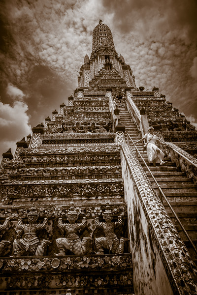 The stunning  Wat Arun.