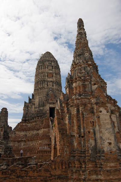 Wat Chaiwatthanaram 2 - Ayutthaya, Thailand.jpg