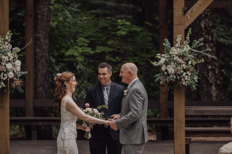 2018-05-12_ROEDER_JulieSeth_Wedding_DUSTIN1_0061.jpg