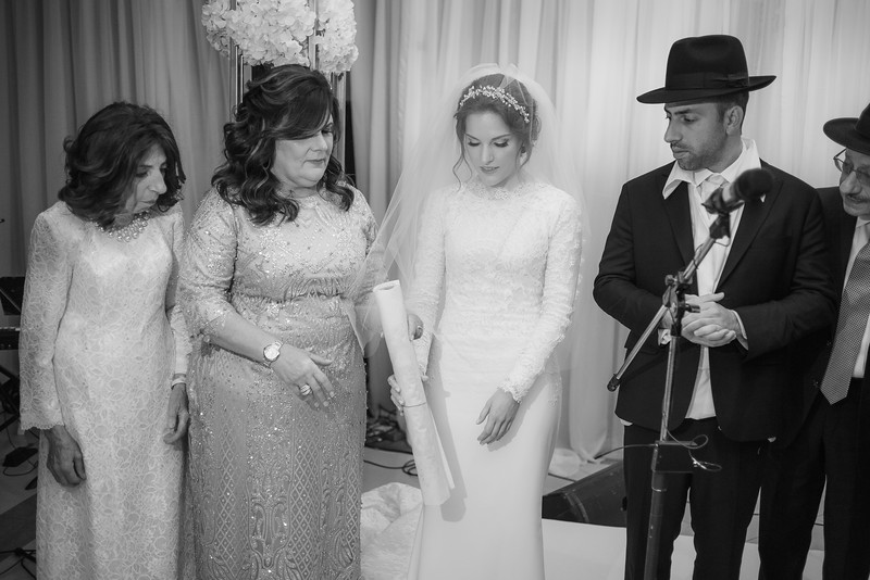 Miri_Chayim_Wedding_BW-582.jpg