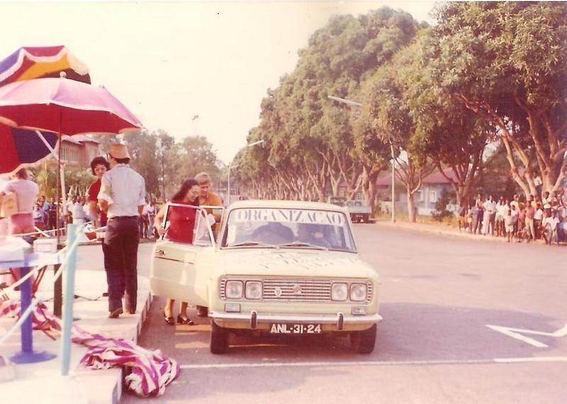 Dundo ( em frente ao museu) Nando Cerejeira ( de costas), Paulo Mariano, Fraga