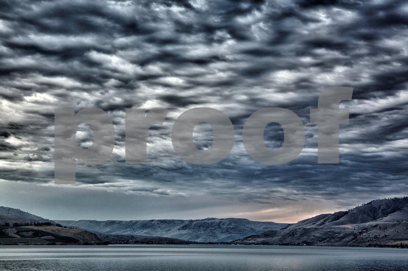 Lake Chelan sunrise 6026_HDR.jpg