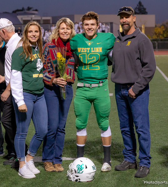 2018 West Linn Seniors-1403.jpg