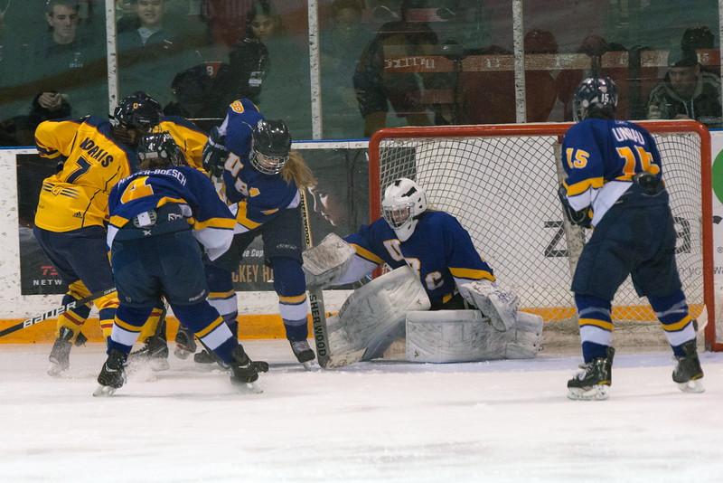 20130310 QWHockeyvsUBC 592.jpg