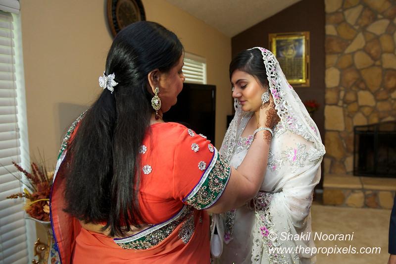 Naziya-Wedding-2013-06-08-01810.JPG