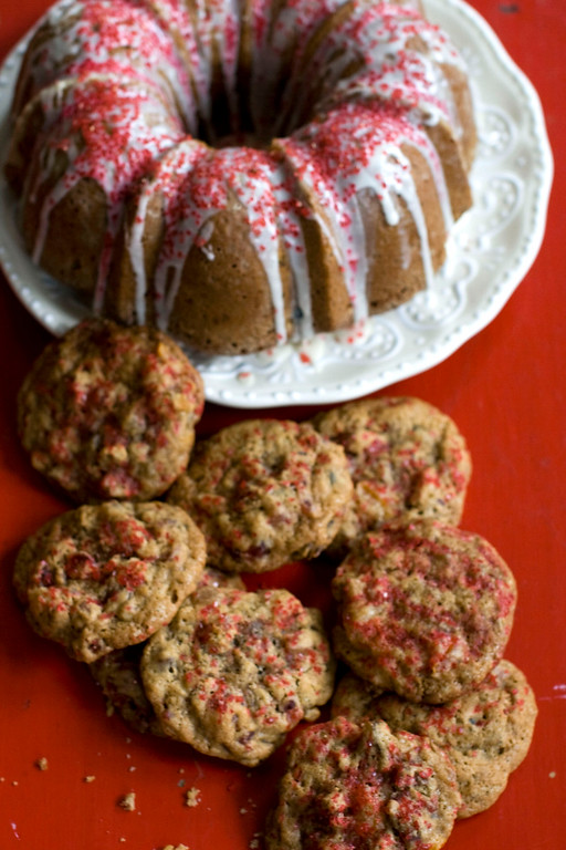 ". Studded with all manner of dried and candied fruit (you can easily substitute your favorites), these cookies are a chewy, spicy delight that\'ll be sure to make a fruitcake lover out of even the skeptics. <a href=""http://archive.azcentral.com/style/hfe/food/recipes/articles/20111206fruitcake-cookies.html\"">Get the recipe for fruitcake cookies</a>.  (AP Photo/Matthew Mead)"