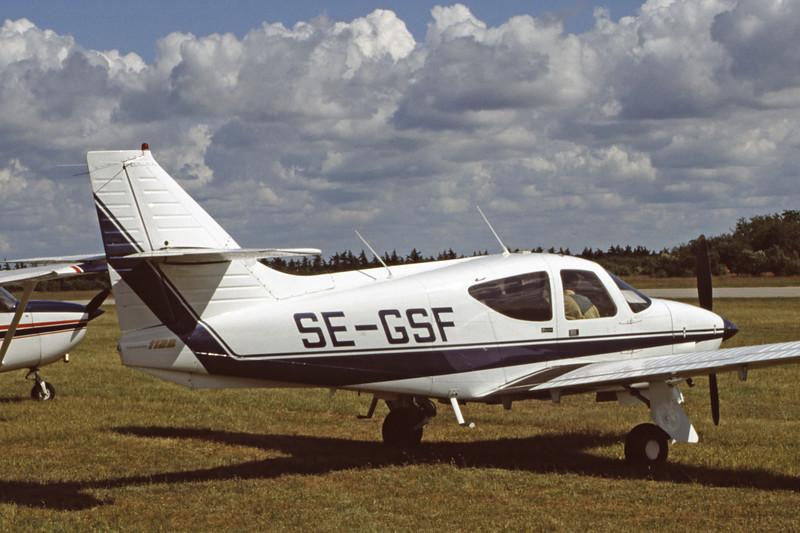 SE-GSF-RockwellCommander112B-Private-EKVJ-1998-06-13-FC-37-KBVPCollection.jpg