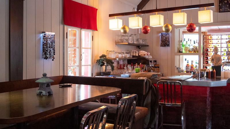 Mont-Tremblant-Quebec-Restaurant-Owok-01.jpg