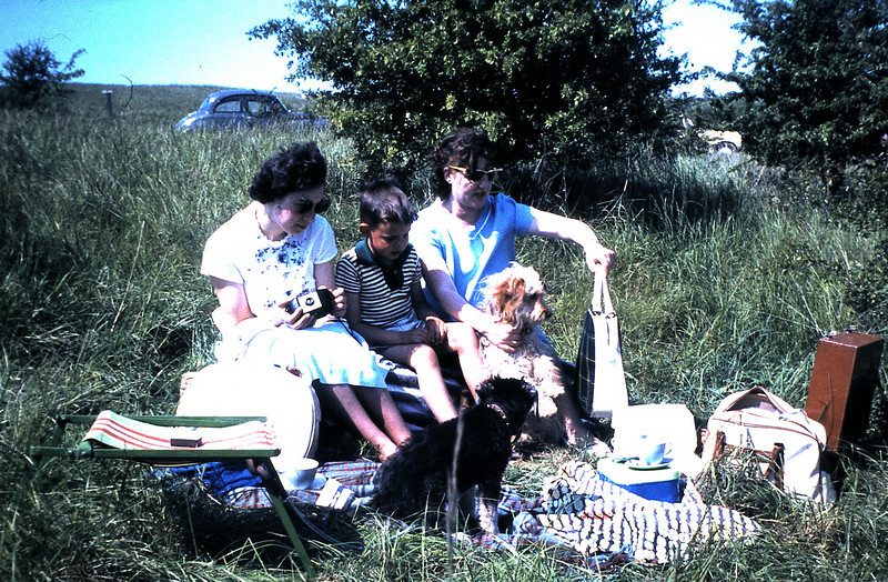 065 Ann, Stephen and Alice.JPG