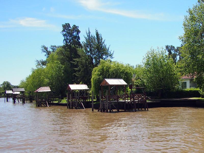 PA204618-river-homes.JPG