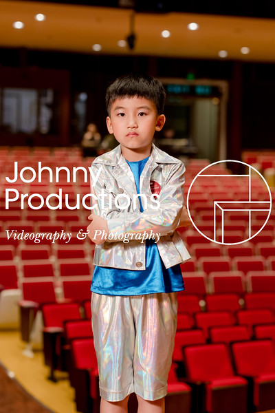 0077_day 1_orange & green shield portraits_red show 2019_johnnyproductions.jpg