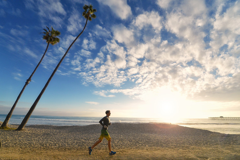 picture of jogger in san clemente. best running picture