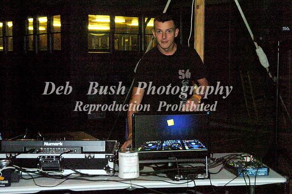 FRIDAY NIGHT DJ  AND DANCE