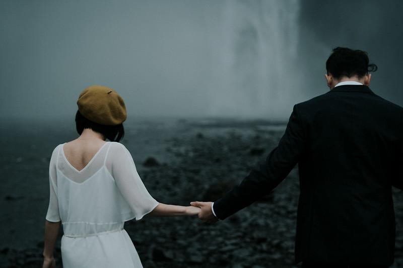 Tu-Nguyen-Destination-Wedding-Photographer-Iceland-Elopement-Fjaðrárgljúfur-16-167a-3.jpg