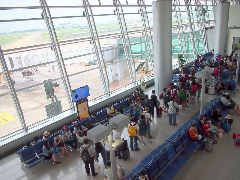 P9016105-departure-gate.JPG