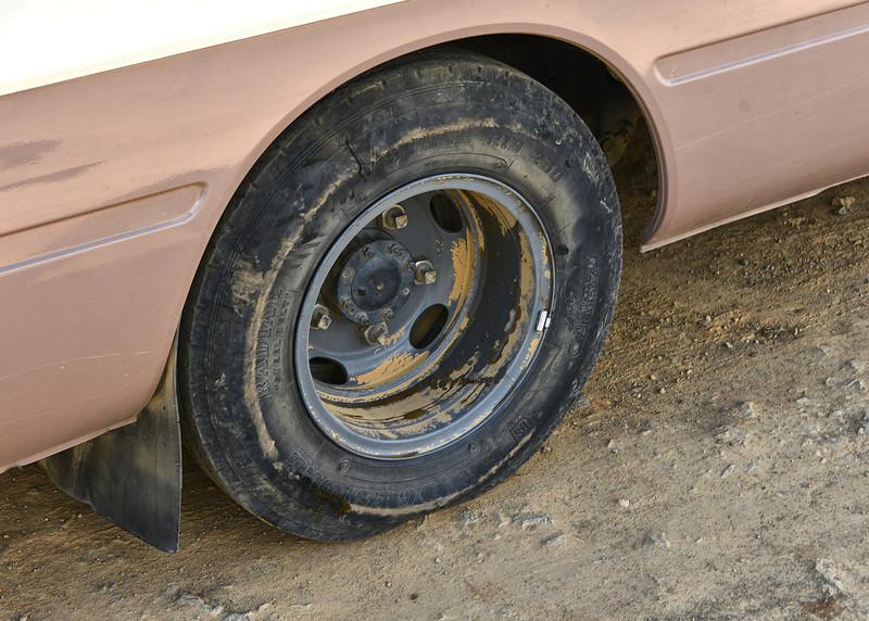 BOV_3106-7x5-Flat tire.jpg