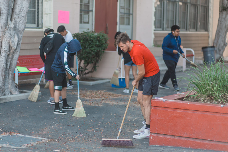 2019_08_10_HollywoodHighSchool_ServeDay_FR-122.jpg