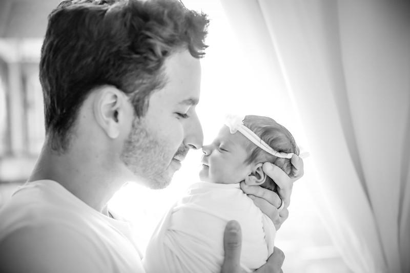 bw_newport_babies_photography_hoboken_at_home_newborn_shoot-5038.jpg