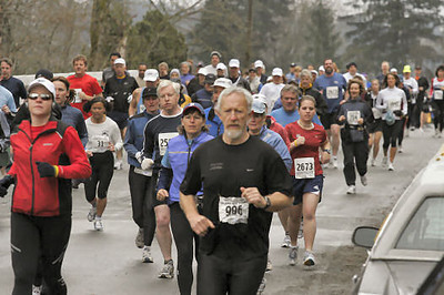 2005 Comox Valley Half Marathon - ComoxHalf2005-Al-Livsey-096.jpg