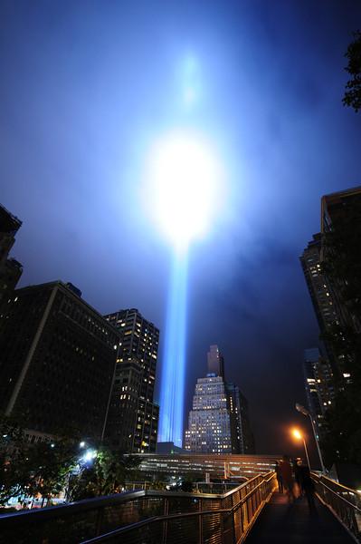 2011_tribute_in_light_32.JPG