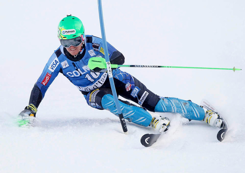. Ted Ligety of the U.S. skis during the first leg in the men\'s World Cup Slalom skiing race in Val d\'Isere, French Alps, December 8, 2012.    REUTERS/Robert Pratta