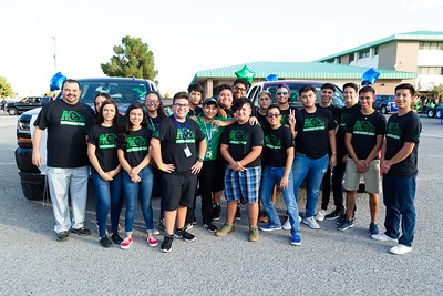 Montwood Homecoming Parade