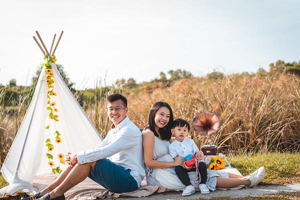 Yuan Rong and Si Ping Family Photos