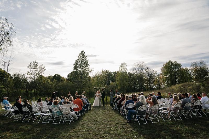 rustic_ohio__fall_barn_wedding-213.jpg