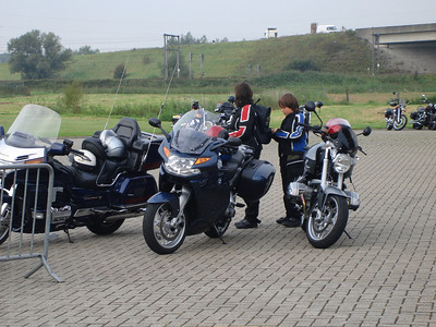 08-09-07 1° motorverbroedering voor hulpdiensten en sympathisanten (vriendenkring brandweer Brugge)
