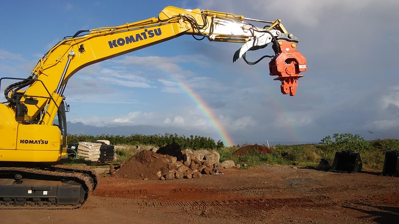 NPK C8CSD sheet pile driver, Scott Brothers Construction in Maui, HI  1-19.jpg