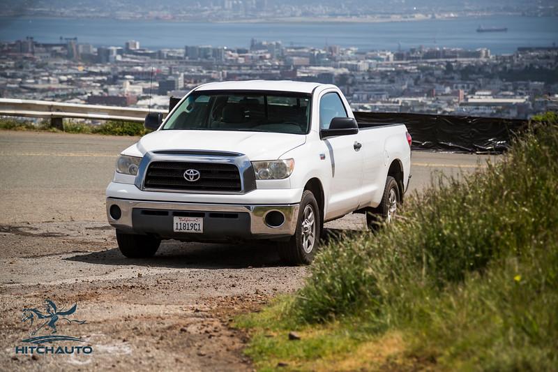 Toyota_Tundra_White_11819c1-6424.jpg
