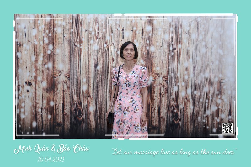 QC-wedding-instant-print-photobooth-Chup-hinh-lay-lien-in-anh-lay-ngay-Tiec-cuoi-WefieBox-Photobooth-Vietnam-cho-thue-photo-booth-061.jpg