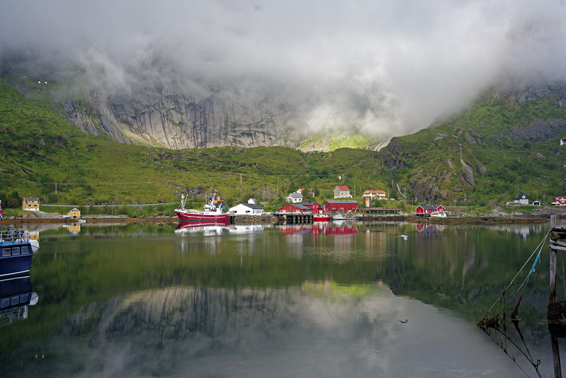 Morning scene in Reine