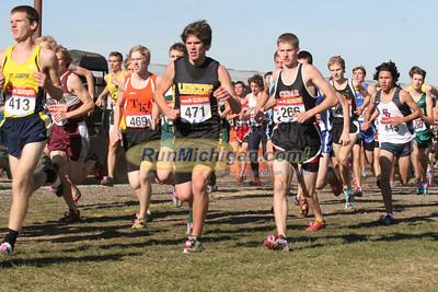 Boy's D2 at 800M Mark - 2011 MHSAA LP XC Finals