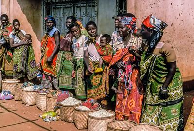Women selling maize