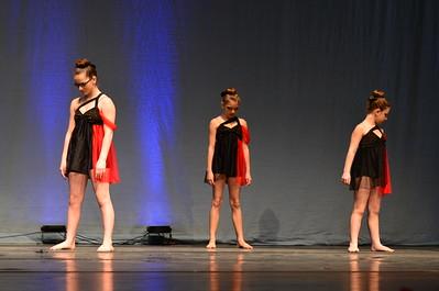 109 Black Roses Red - Starstruck Dance Center