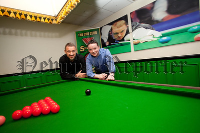 Hugh Boyle is pictured with Stephen Hendry. RS1514005