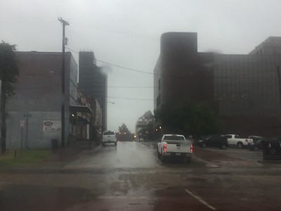 winds-lightning-heavy-rain-expected-through-saturday