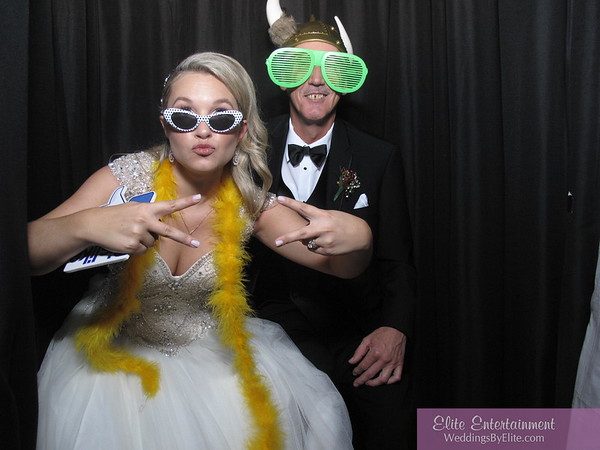 11/18/17 White Photobooth Fun
